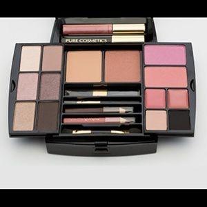 Pure Cosmetics Essentials Travel Kit